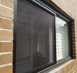 Window-grilles-black-in-stainless-steel-mesh